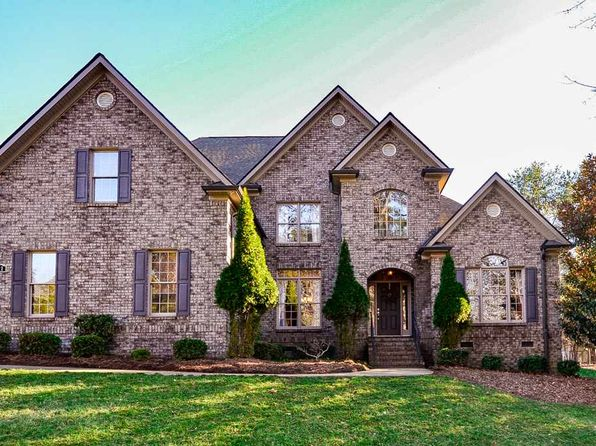 4 bed 4 bath Single Family at 721 Black Wolf Run Spartanburg, SC, 29306 is for sale at 429k - 1 of 27