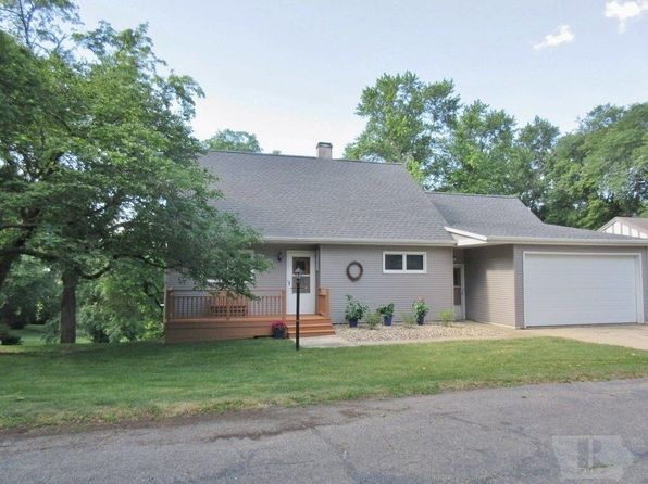 3 bed 3 bath Single Family at 1704 W Lincoln Way Marshalltown, IA, 50158 is for sale at 203k - 1 of 39