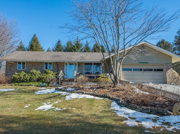 3 bed 3 bath Single Family at 195 Old Clove Rd Sussex, NJ, 07461 is for sale at 260k - 1 of 25