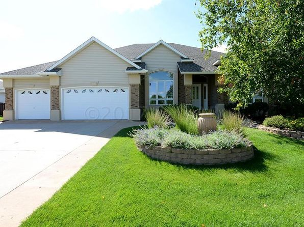 5 bed 4 bath Single Family at 4813 Meadow Creek Dr S Fargo, ND, 58104 is for sale at 570k - 1 of 53