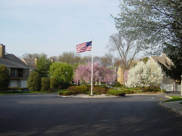 2 bed 2 bath Condo at 11 Tulip Cres Little Falls, NJ, 07424 is for sale at 280k - 1 of 15