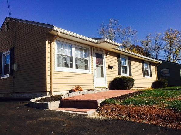 3 bed 1 bath Single Family at 535 E Main St Bridgewater, NJ, 08807 is for sale at 289k - 1 of 13