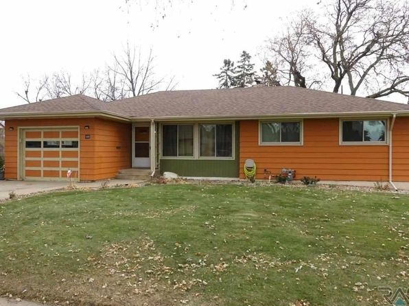 3 bed 2 bath Single Family at 2212 S Sherman Ave Sioux Falls, SD, 57105 is for sale at 180k - 1 of 26