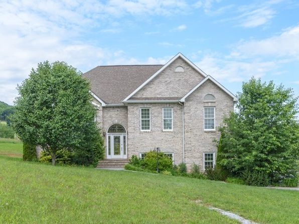4 bed 3 bath Single Family at 47 Viers Ct Lebanon, VA, 24266 is for sale at 259k - 1 of 34