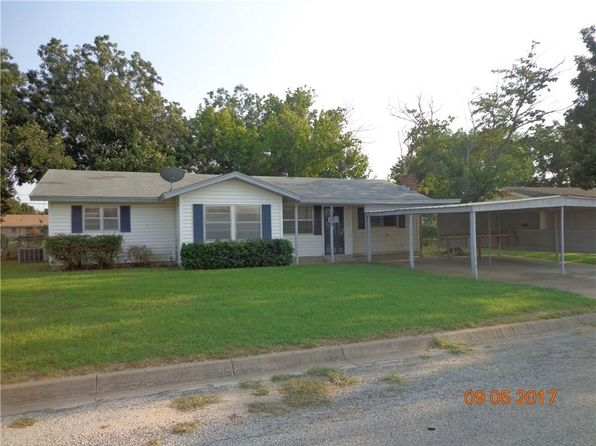 3 bed 2 bath Single Family at 1005 Gantt St Bangs, TX, 76823 is for sale at 64k - 1 of 26