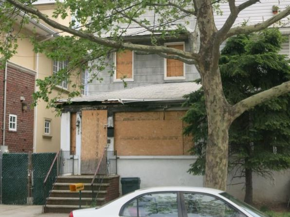 3 bed 3 bath Single Family at 945 E 28TH ST BROOKLYN, NY, 11210 is for sale at 750k - google static map