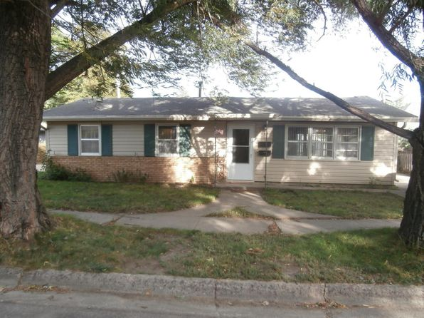 3 bed 1 bath Single Family at 644 Iowa Ave SE Huron, SD, 57350 is for sale at 65k - 1 of 16