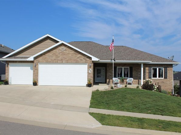 3 bed 2 bath Single Family at 6641 S DORCHESTER LN DUBUQUE, IA, 52003 is for sale at 275k - 1 of 25