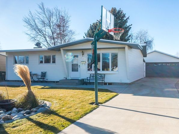 3 bed 2 bath Single Family at 204 30th St W Billings, MT, 59102 is for sale at 239k - 1 of 26