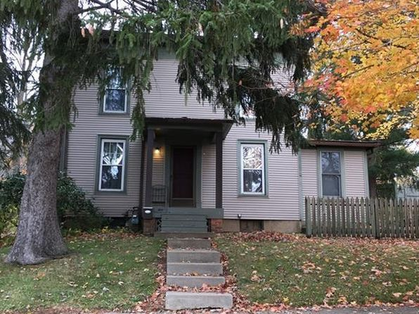 4 bed 2 bath Single Family at 8113 Maple Ave Garrettsville, OH, 44231 is for sale at 140k - 1 of 17