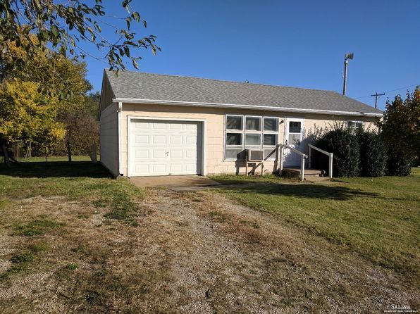 2 bed 1 bath Single Family at 1518 W Crawford St Salina, KS, 67401 is for sale at 44k - 1 of 12