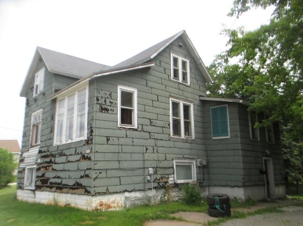 3 bed 1 bath Single Family at 2808 13th St Menominee, MI, 49858 is for sale at 25k - 1 of 8