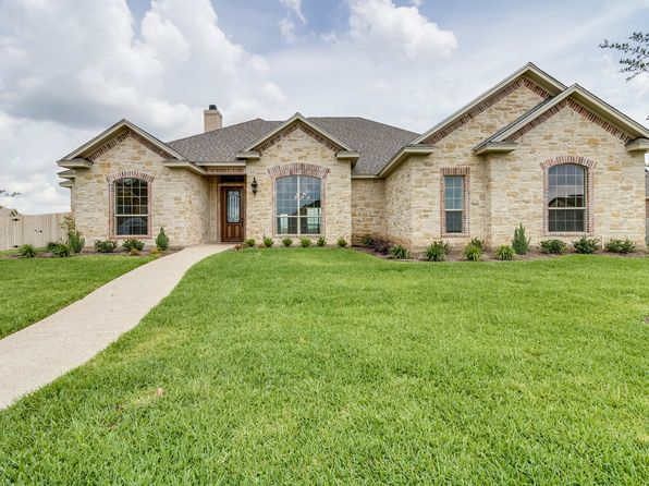 4 bed 4 bath Single Family at 425 Stone Manor Dr Mc Gregor, TX, 76657 is for sale at 469k - 1 of 35