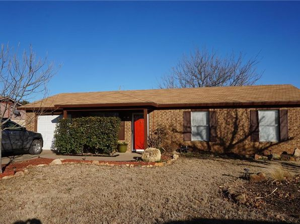 3 bed 2 bath Single Family at 1925 CRAWFORD ST GRAHAM, TX, 76450 is for sale at 99k - 1 of 15