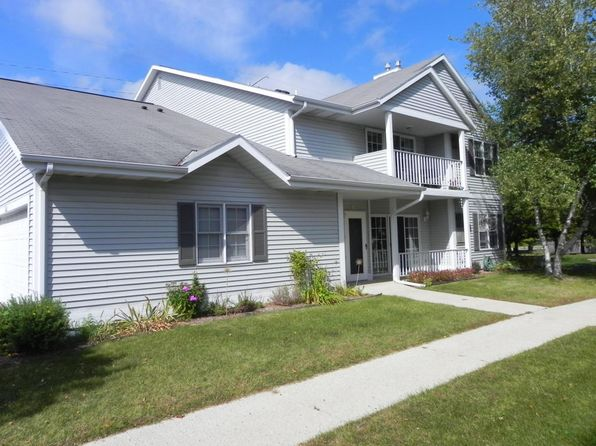 2 bed 2 bath Condo at 104 Bur Oak Ln Grafton, WI, 53024 is for sale at 149k - 1 of 21