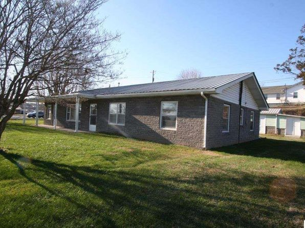 4 bed 2 bath Single Family at 127 Hardin Ln Sevierville, TN, 37862 is for sale at 200k - 1 of 20