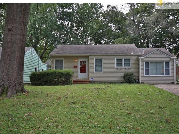 2 bed 1 bath Single Family at 7600 McGee St Kansas City, MO, 64114 is for sale at 130k - 1 of 15