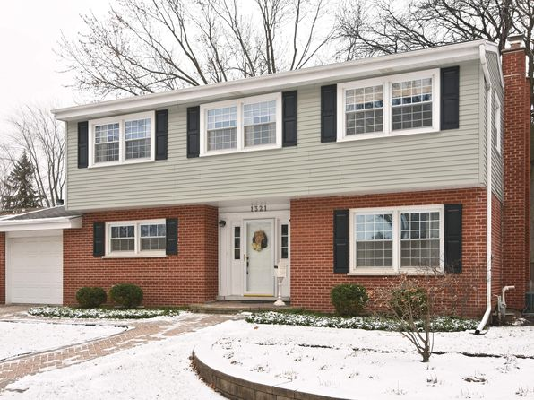 4 bed 2 bath Single Family at 1321 W Park St Arlington Heights, IL, 60005 is for sale at 400k - 1 of 15