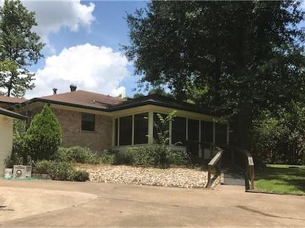 2 bed 2 bath Single Family at 710 Sam Houston Loop Pointblank, TX, 77364 is for sale at 145k - 1 of 24