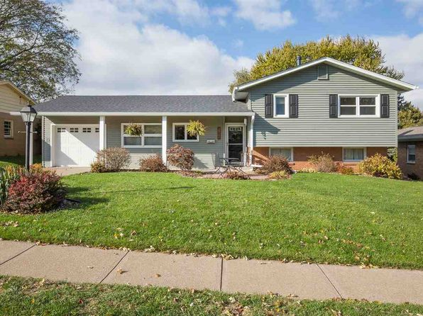 3 bed 2 bath Single Family at 2734 Volquardsen Ave Davenport, IA, 52804 is for sale at 165k - 1 of 24