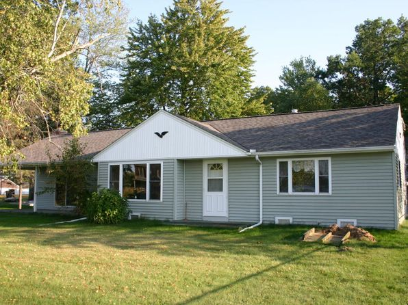 2 bed 1 bath Single Family at 536 Oak Grove St Battle Creek, MI, 49017 is for sale at 190k - 1 of 11