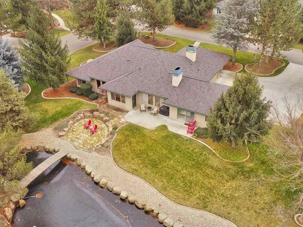 3 bed 2.5 bath Single Family at 8980 W Waterwood Ln Boise, ID, 83714 is for sale at 485k - 1 of 25
