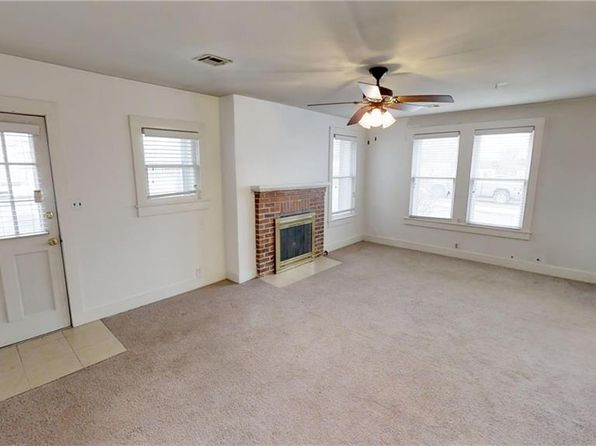 2 bed 1 bath Single Family at 1004 N 9TH ST ROGERS, AR, 72756 is for sale at 110k - 1 of 20
