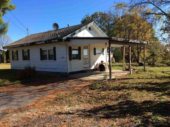 1 bed 1 bath Single Family at 1882 Old Kings Hwy Saugerties, NY, 12477 is for sale at 70k - 1 of 8