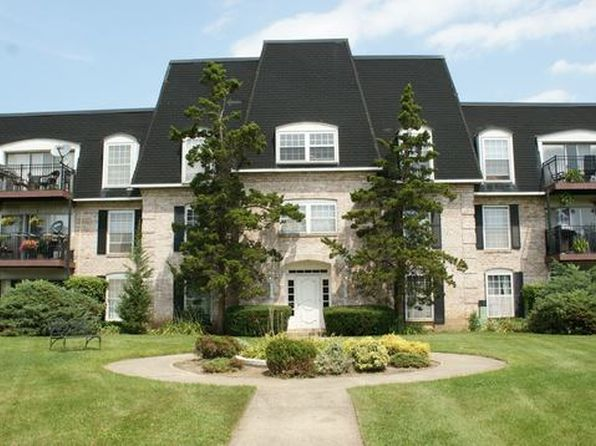 1 bed 1 bath Condo at 5000 Carriageway Dr Rolling Meadows, IL, 60008 is for sale at 89k - 1 of 19