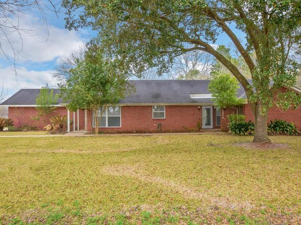 4 bed 2 bath Single Family at 3904 LONGHERRIDGE DR PEARLAND, TX, 77581 is for sale at 300k - 1 of 24