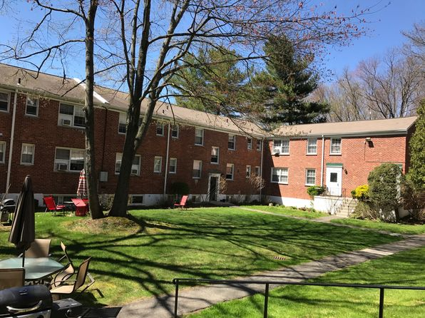 2 bed 2 bath Condo at 29 Fieldstone Dr Hartsdale, NY, 10530 is for sale at 219k - 1 of 16