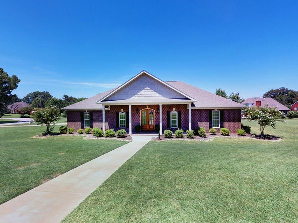 4 bed 3 bath Single Family at 1014 CARMEN DR BROWNSVILLE, TN, 38012 is for sale at 273k - 1 of 29