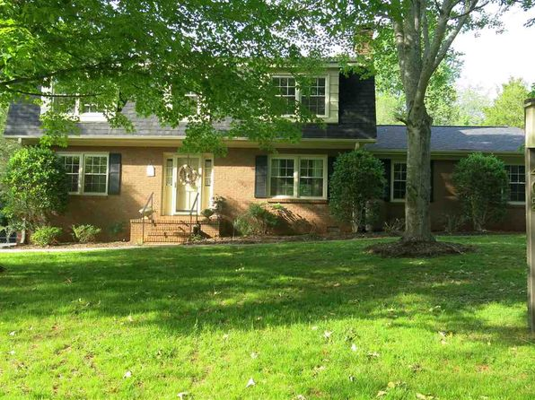 4 bed 3 bath Single Family at 405 Garden Grove Ct Spartanburg, SC, 29302 is for sale at 185k - 1 of 25
