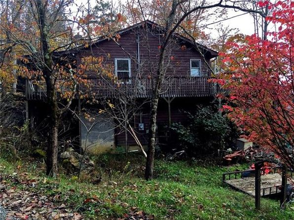 2 bed 2 bath Single Family at 810 Fox Town Rd Hot Springs, NC, 28743 is for sale at 145k - 1 of 24