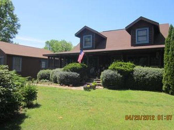 2 bed 2 bath Single Family at 1235 Hartwood Rd Fredericksburg, VA, 22406 is for sale at 525k - 1 of 3