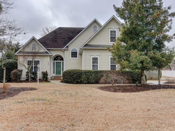 3 bed 3 bath Single Family at 5000 Crosswinds Dr Wilmington, NC, 28409 is for sale at 310k - 1 of 29