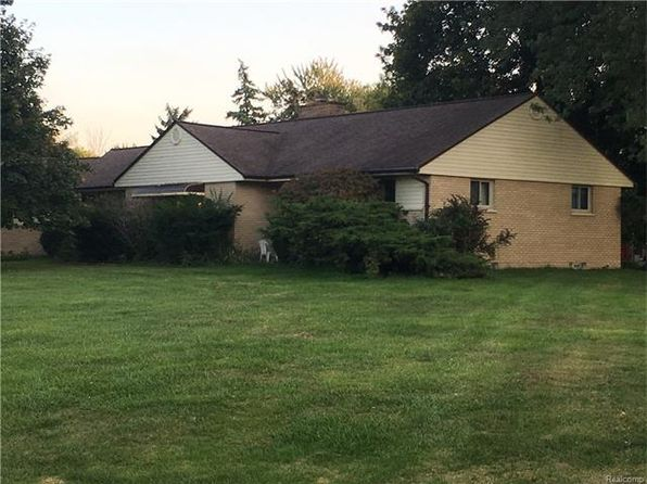 3 bed 3 bath Single Family at 3425 Windcroft Dr Waterford, MI, 48328 is for sale at 200k - 1 of 22