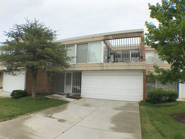 3 bed 2.5 bath Townhouse at 99 Wellington Rd Northbrook, IL, 60062 is for sale at 415k - 1 of 19