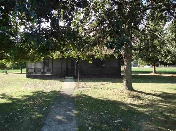 2 bed 1 bath Single Family at 15555 S Rangeline Rd Clinton, IN, 47842 is for sale at 125k - 1 of 4