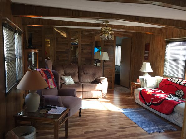 2 bed 2 bath Mobile / Manufactured at 68 Hook Ln Sunrise Beach, MO, 65079 is for sale at 44k - 1 of 9