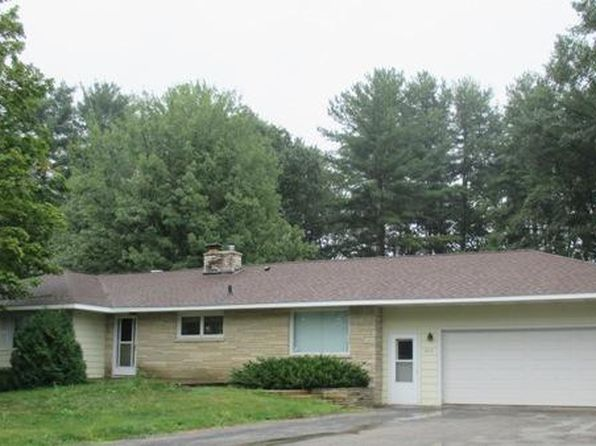 3 bed 2 bath Single Family at 929 Edgewood Cir Marinette, WI, 54143 is for sale at 140k - google static map