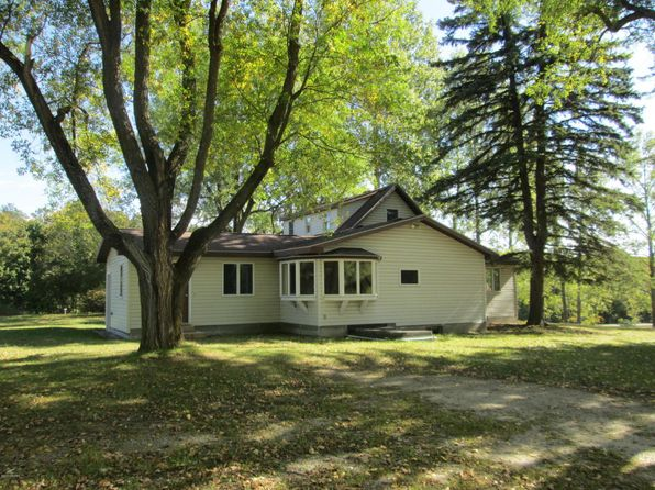 3 bed 2 bath Single Family at 9451 Eastman Rd Beulah, MI, 49617 is for sale at 240k - 1 of 32