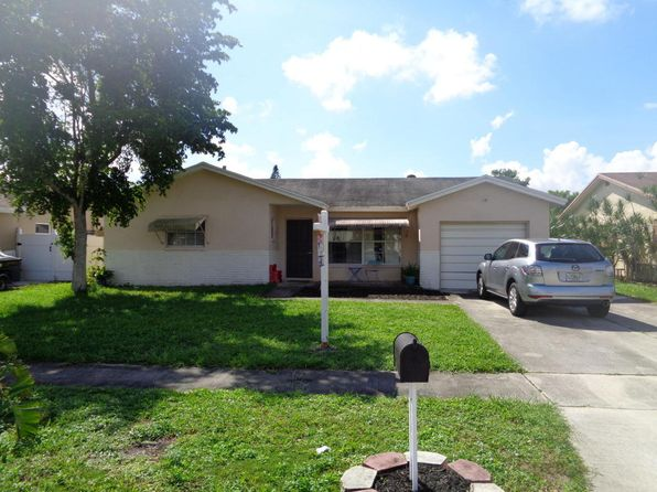 3 bed 2 bath Single Family at 9006 SW 7th St Boca Raton, FL, 33433 is for sale at 300k - 1 of 12