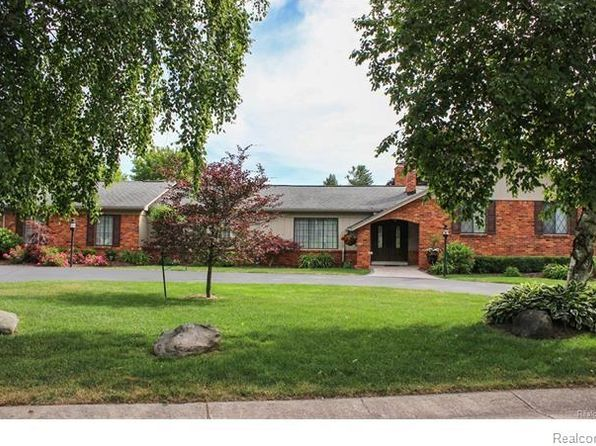 4 bed 4 bath Single Family at 3202 Ravinewood Dr Commerce Township, MI, 48382 is for sale at 600k - 1 of 77