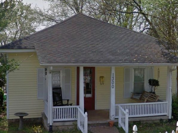2 bed 1 bath Single Family at 1300 Kenton St Bowling Green, KY, 42101 is for sale at 117k - 1 of 13