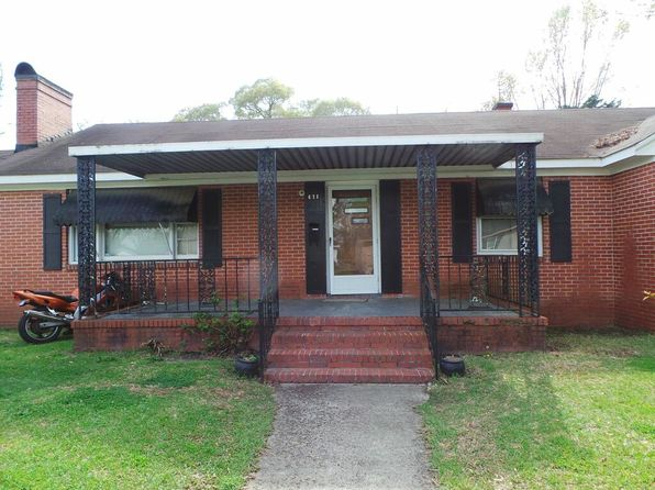 4 bed 1 bath Single Family at  631 Williams Street Clinton, NC, 28328 is for sale at 69k - 1 of 10