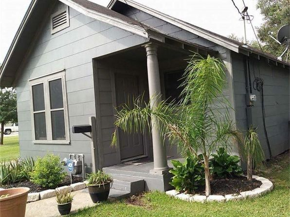2 bed 1 bath Single Family at 1508 Avenue E Bay City, TX, 77414 is for sale at 70k - 1 of 12