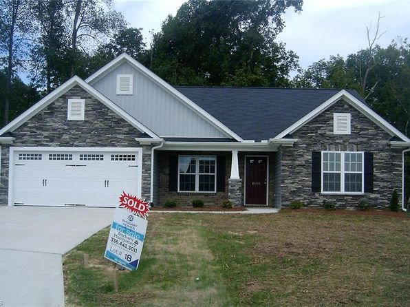 3 bed 3 bath Single Family at 2990 Grassy Knoll Cir Thomasville, NC, 27360 is for sale at 207k - 1 of 15