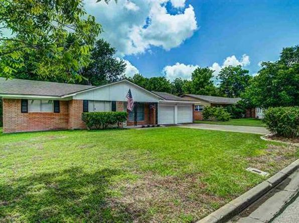 3 bed 2 bath Single Family at 2012 Trinity Dr Waco, TX, 76710 is for sale at 150k - 1 of 17
