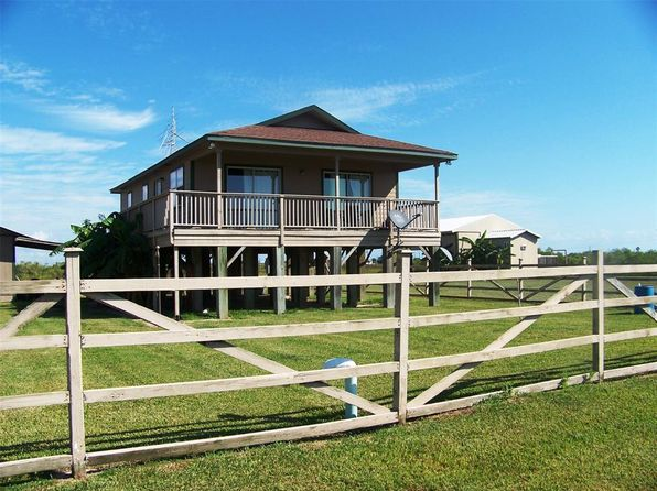 2 bed 1 bath Single Family at 1200 BLUE WATER BLVD SARGENT, TX, 77414 is for sale at 109k - 1 of 15